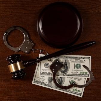 Martelletto e soldi