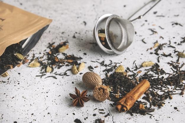Masala chai tè nero speziato con spezie