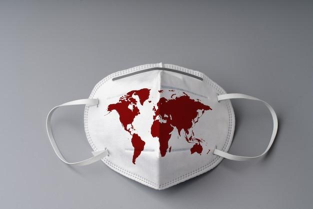 Maschera chirurgica con mappa del mondo