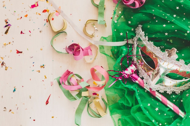 Maschera da festival e corno da festa
