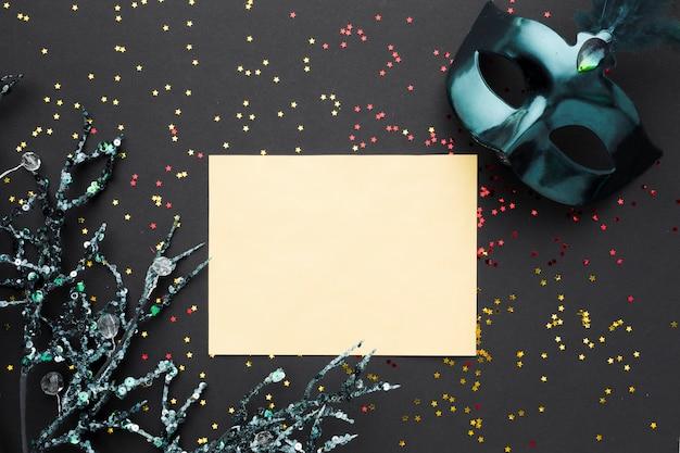 Maschera di carnevale colorato con glitter
