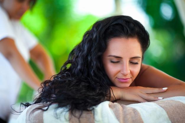 Massaggio termale per donna