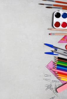 Materiale scolastico per lezioni d'arte