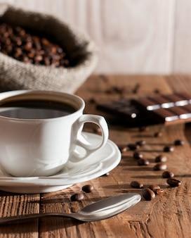 Mattina tazza di caffè con cioccolato