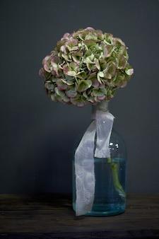 Mazzo di fiori in un vaso