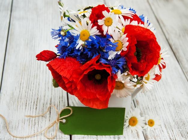 Mazzo di fiori selvatici