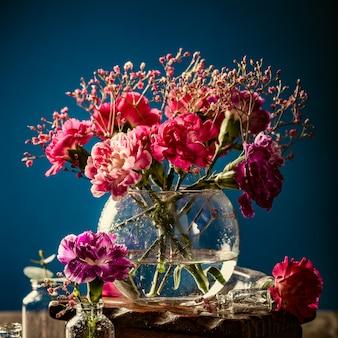 Mazzo di garofani rosa