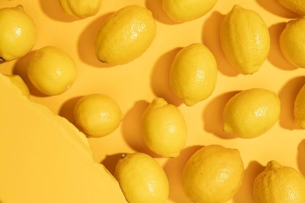 Mazzo di limoni biologici vista dall'alto