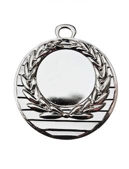 Medaglia d'argento isolata su fondo bianco