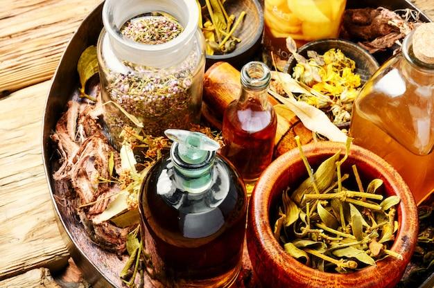 Medicina alternativa a base di erbe