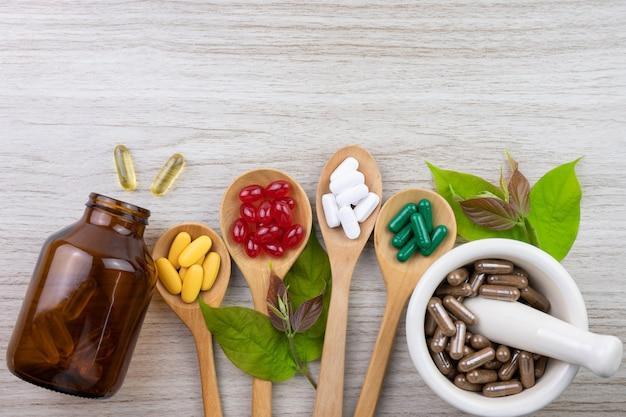 Medicina alternativa, vitamina e integratori di erbe naturali