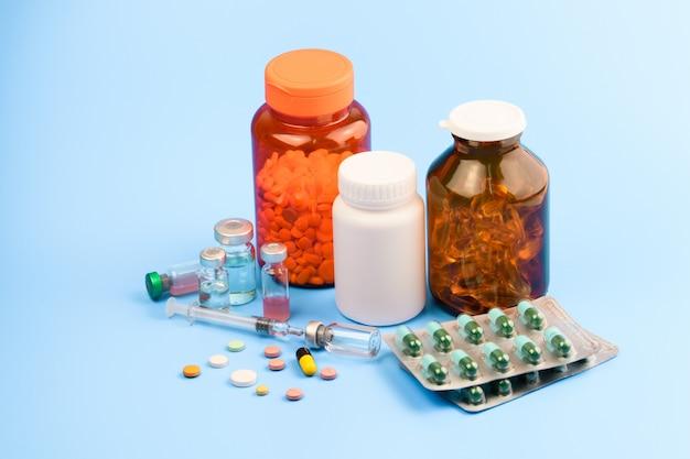Medicina, pillole e vaccino