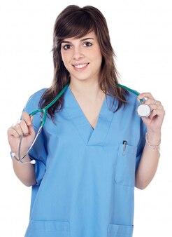 Medico della giovane signora sopra una priorità bassa bianca