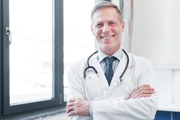 Medico di famiglia in uno studio medico