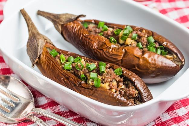 Melanzane saporiti con carne macinata