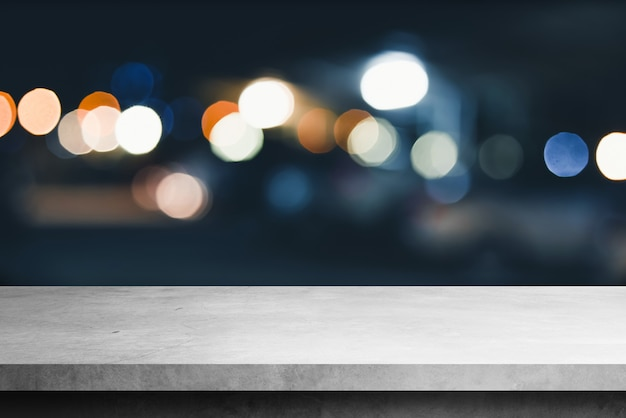 Mensola di cemento con sfondi sfocatura bokeh, per prodotti di visualizzazione