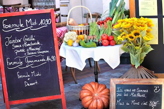 Menu board di ristorante francese