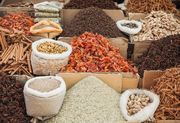 Mercato delle spezie indiane