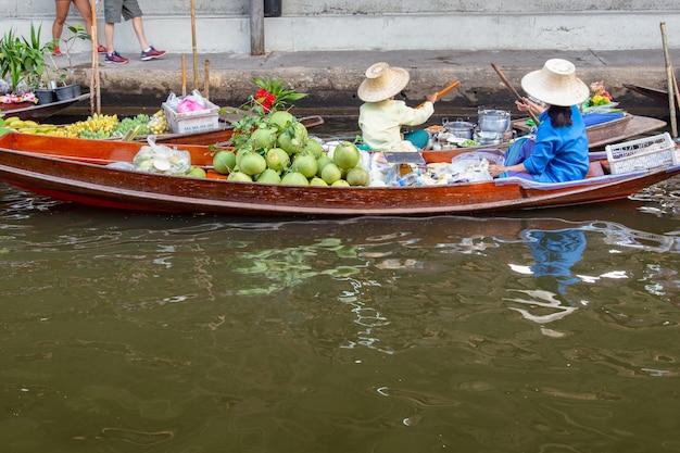 Mercato galleggiante di damnoen saduak