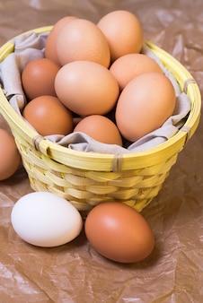 Merce nel carrello delle uova