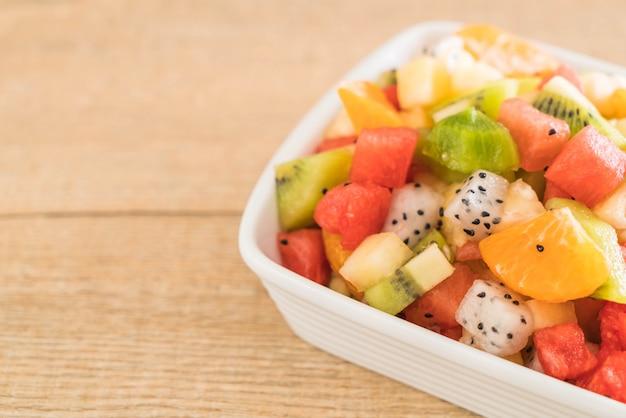 Mescolare frutta a fette