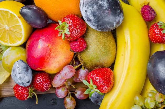 Mescolato molti diversi frutti di stagione