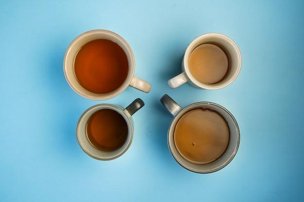 Messa a fuoco selettiva, alcune tazze di tè
