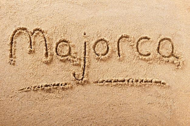 Messaggio di scrittura di vacanza della spiaggia di estate di maiorca mallorca