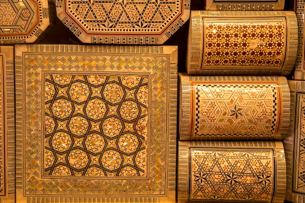 Mestieri tradizionali sul mercato marocchino