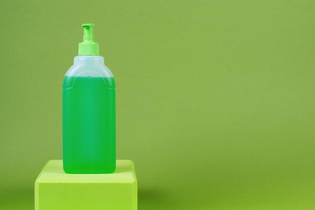 Mezzi preventivi per protezione da virus e infezioni, gel disinfettante.