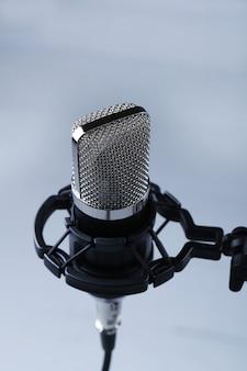 Microfono moderno