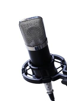 Microfono su bianco