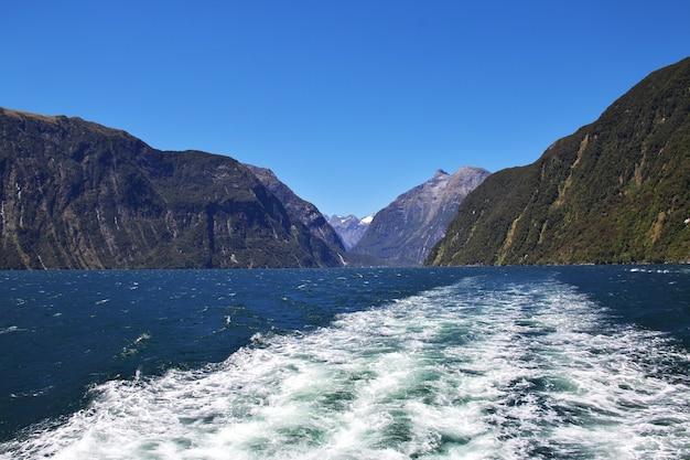 Milford sound fjord, nuova zelanda