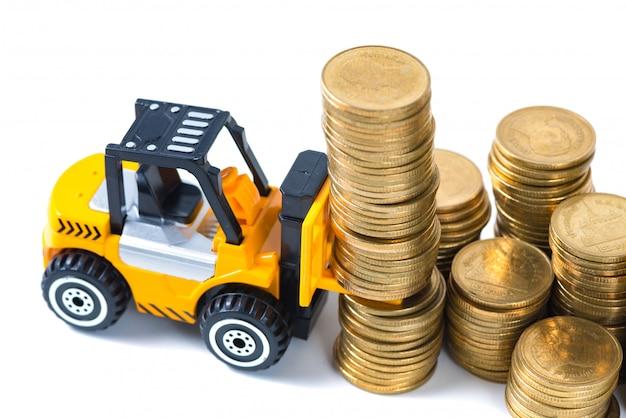 Mini moneta della pila di caricamento del carrello elevatore a forcale isolata su bianco