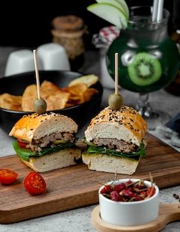 Mini sandwich con carne e verdure