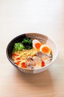 Miso ramen, noodles giapponesi
