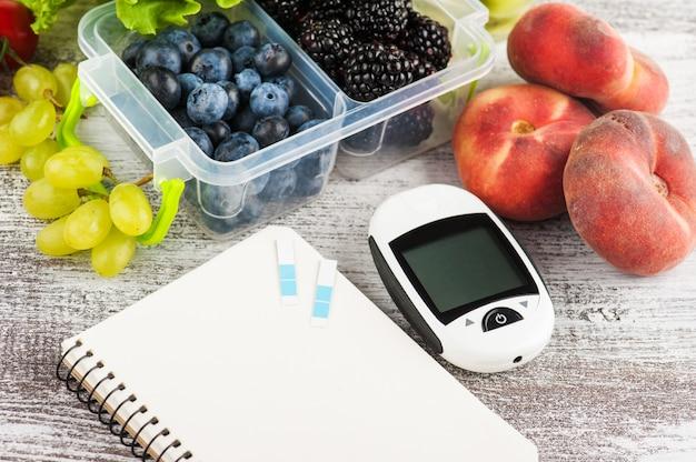 Misuratore di glicemia, taccuino vuoto