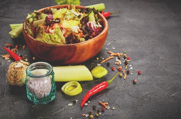 Mix di foglie di insalata fresca mix di foglie di insalata fresca