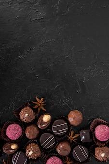 Mix piatto di caramelle con spazio di copia