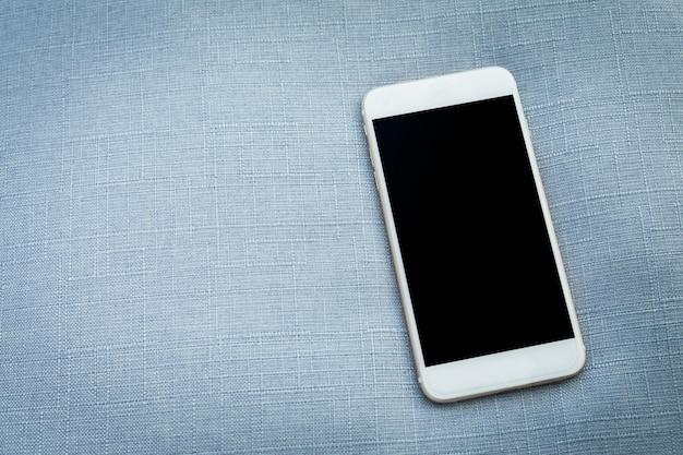 Mobile, smartphone con schermo nero vuoto