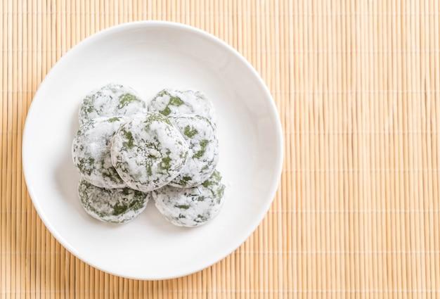 Mochi di tè verde con fagioli rossi