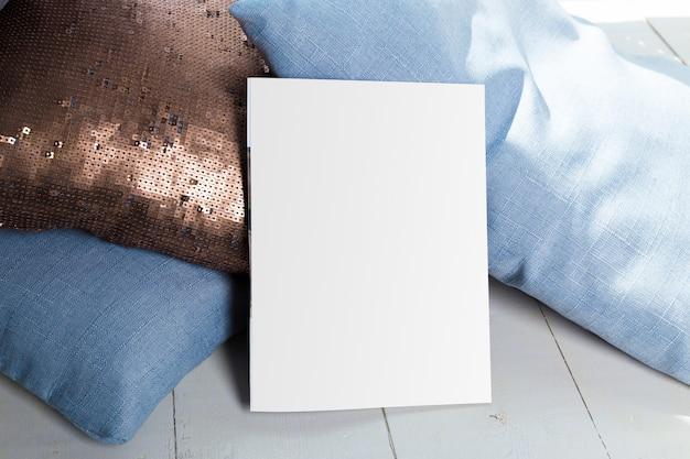 Mock up, carta fotografica, foglio bianco