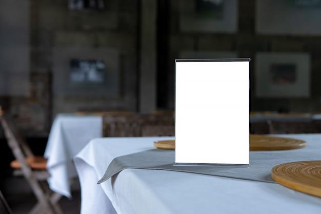 Mock up oggetto menu in caffetteria e ristorante