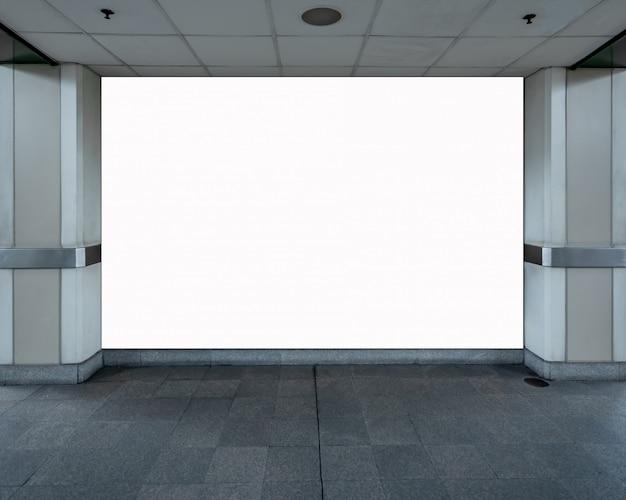 Mock up tabellone per le affissioni in bianco schermo led bianco verticale per la pubblicità