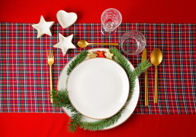 Mockup di decorazione festiva della tavola di natale per la festa