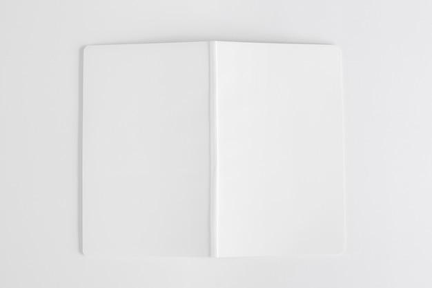 Mockup di libro aperto