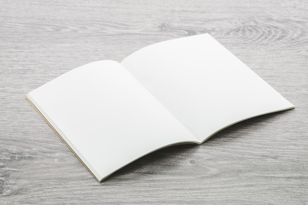 Mockup di quaderno vuoto