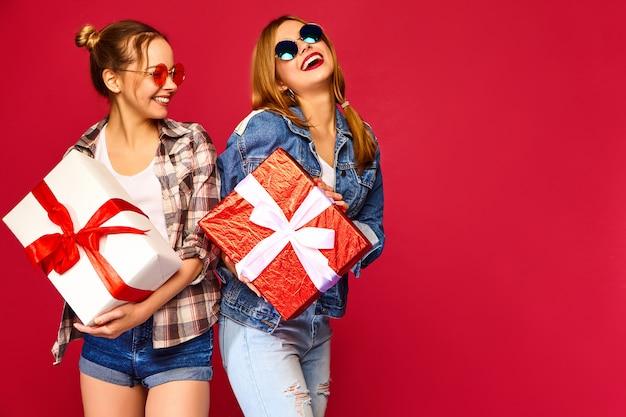 Modelli con scatole regalo grandi