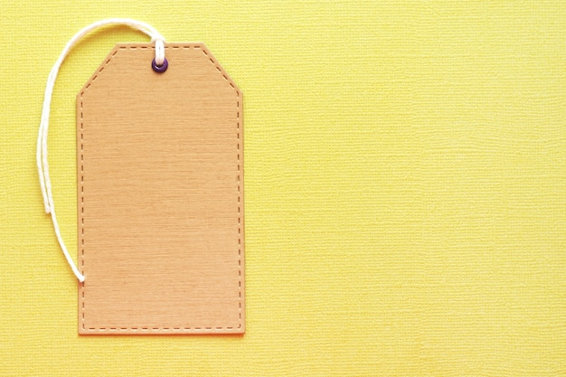 Modello dell'etichetta dell'artigiano sul fondo giallo di struttura