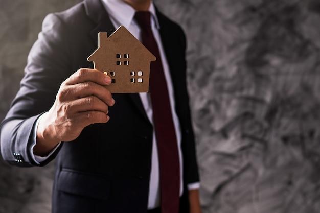 Modello della casa della tenuta dell'uomo d'affari